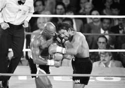 Hagler Defeating Duran
